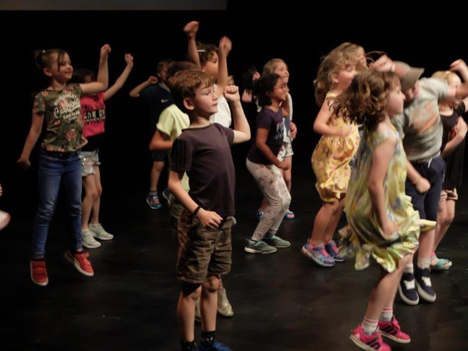 Neon Summer School - Exploring The Plot (Ages 5-7)